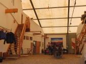 In der Zelthalle